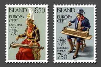 アイスランド 切手 左から ラングシュピル(Langspil)、イスレンスク・フィドラ(Islensk fidla) 百瀬淳子氏提供