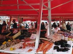 ノルウェー  ベルゲン 魚市場 2003年6月          小島美代子氏提供