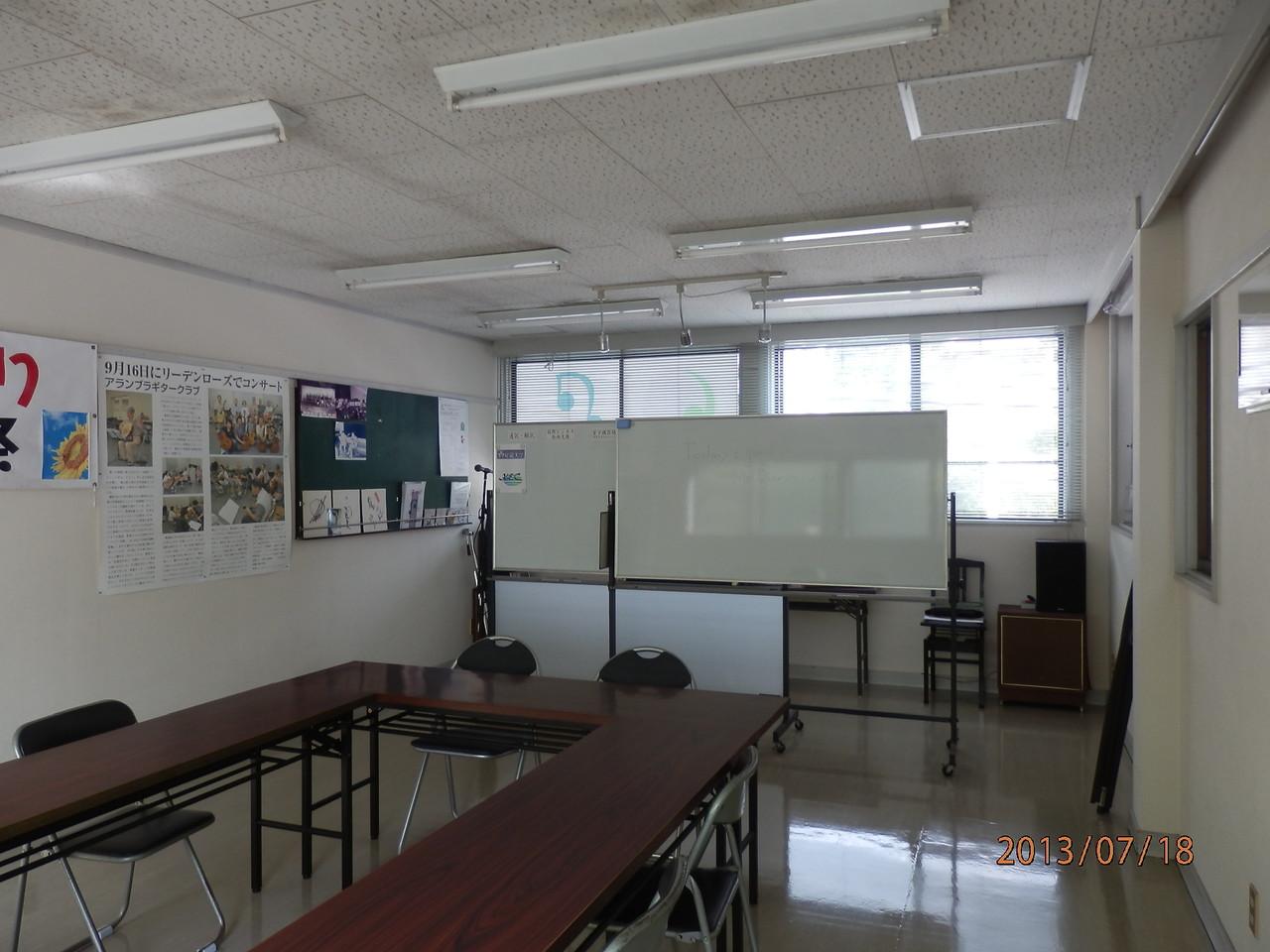 KECビル2階、201号室(10坪)内部(音楽演奏、練習室として使用)