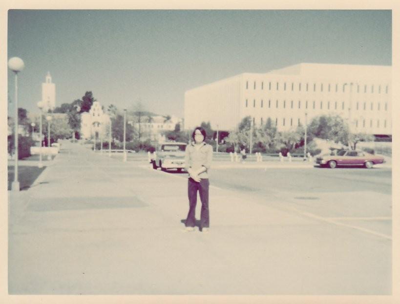 1977年 サンディエゴ州立大学にて At San Diego State University campus in 1977