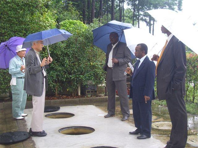 アフリカ中央東部三ヶ国駐日大使 2008.08.26 水処理技術紹介、通訳