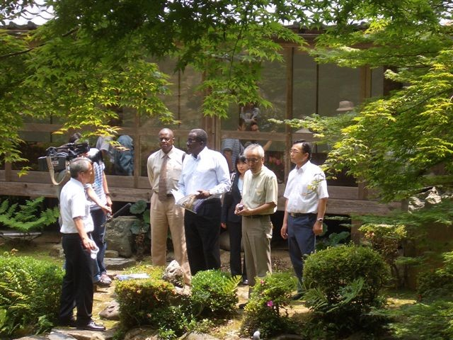 2008.06 Introduction of technologies to the five African Ambassadors in Okayama, Japan