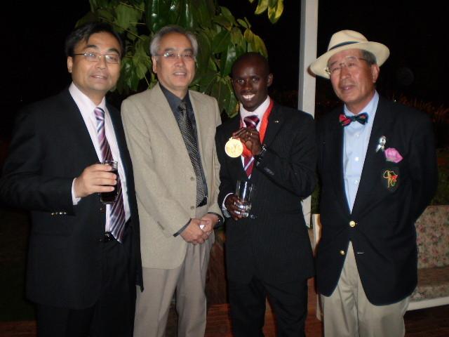 ワンジル選手とのナイロビ遭遇  2008.09.10 政民合同貿易投資促進視察団参加、通訳