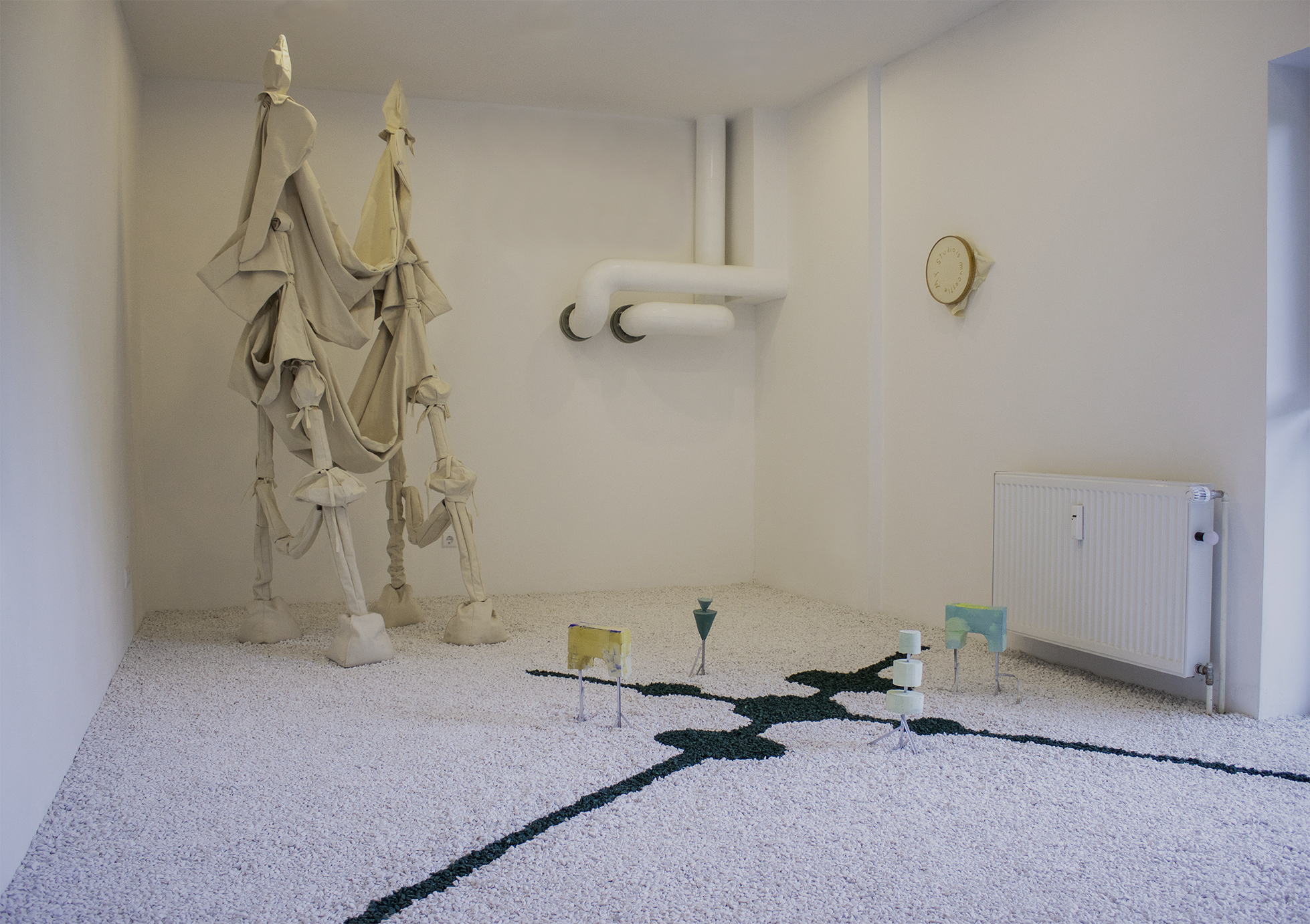 Ausstellungsansicht my studio is my castle_2018_Britta Frechen