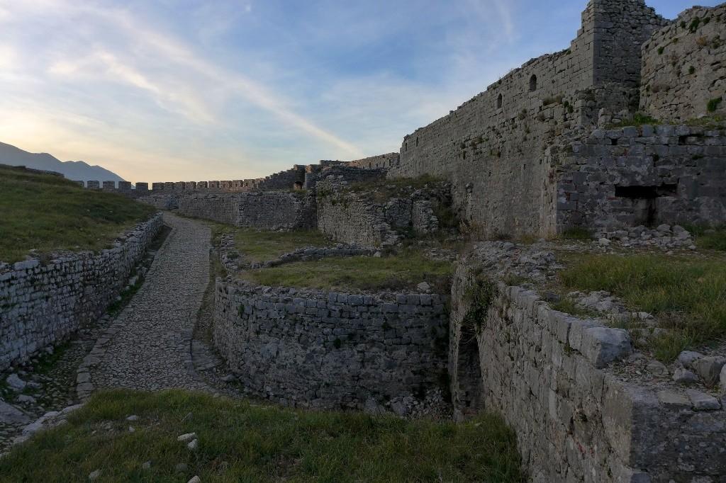 Die Anlage hat sich über den ganzen Hügel erstreckt.
