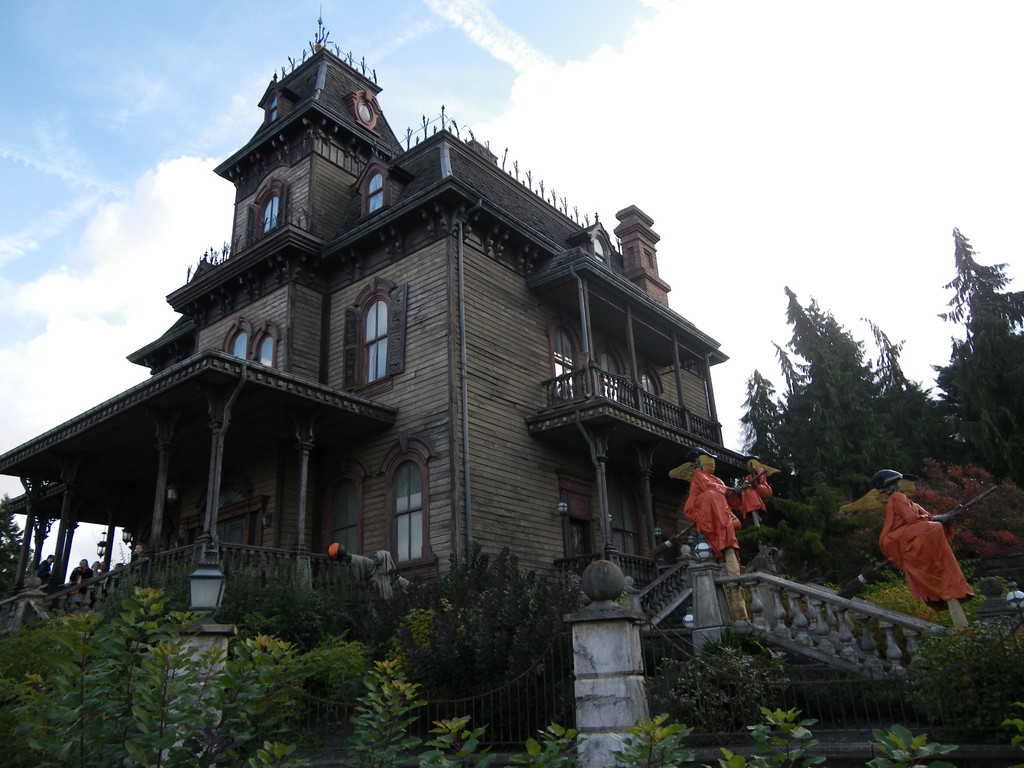 Disneyland Paris - Phantom Manor