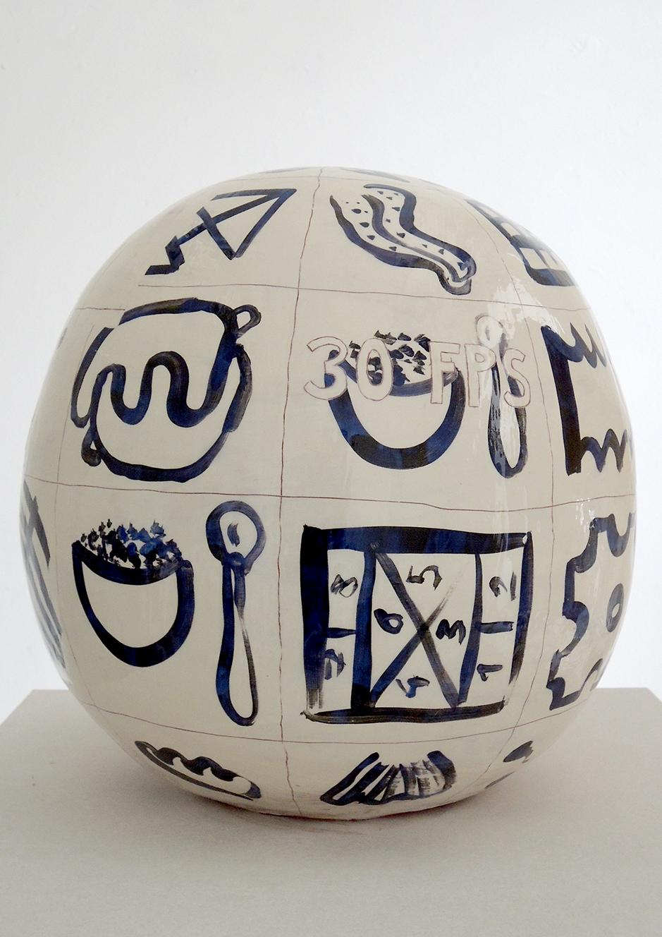 """Oktavia Schreiner, """"Körper die nicht so richtig dazu gehören"""", Keramik, 31 x 31 x 34 cm"""