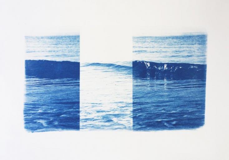 "Eva-Maria Raab, ""stop and go - wave"", 2017, Cyanotypie, Aquarellpapier, 46 x 66 cm"