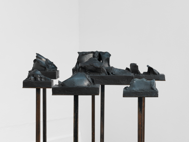 Richard Stone, A Question of Distance, 2014, bronze, patina, corten steel, 135x70x65cm