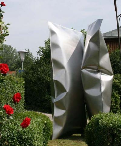 Thomas Kühnapfel, Ausstellungsansicht Brunnhofer Galerie Skulpturengarten