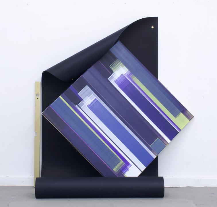 Elisabeth Sonneck, Rollbild62 unfix, 2019, Öl auf Leinwand 100 x 100 cm, Öl auf Papier 110 x 460 cm, Wasserwaage