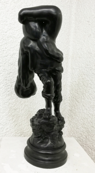 Richard Stone, The Rescuer, 2014, Bronze, 57 x 23 x 23 cm, ed. 2/3