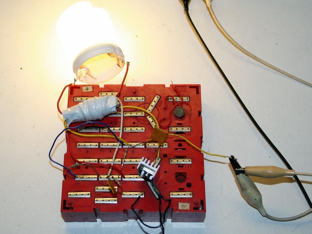 spannungswandler f r leuchtstofflampen elektronische basteleien. Black Bedroom Furniture Sets. Home Design Ideas