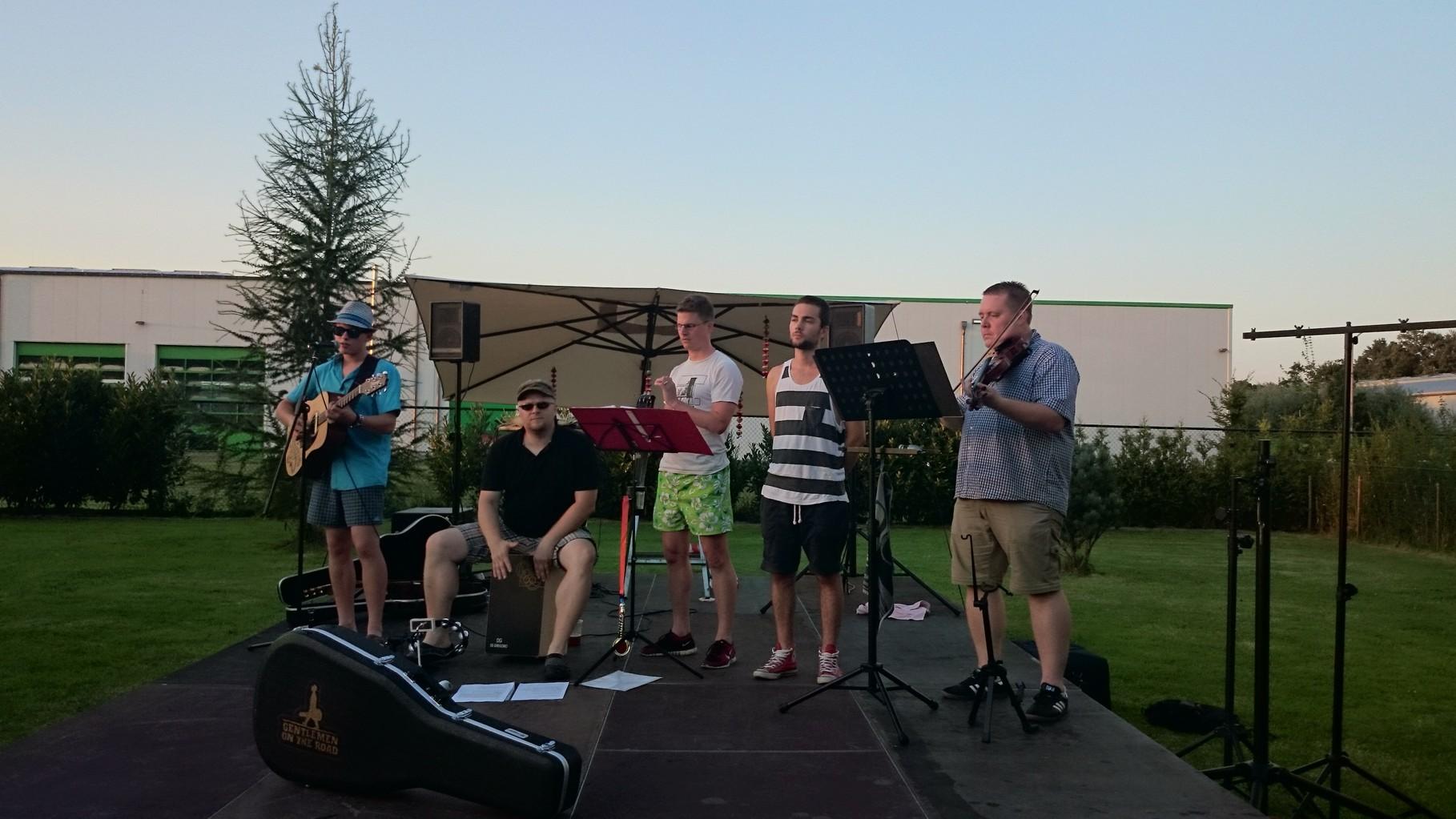 18.07.2014 - ein bischen auf Michaels Geburtstagsparty musizieren