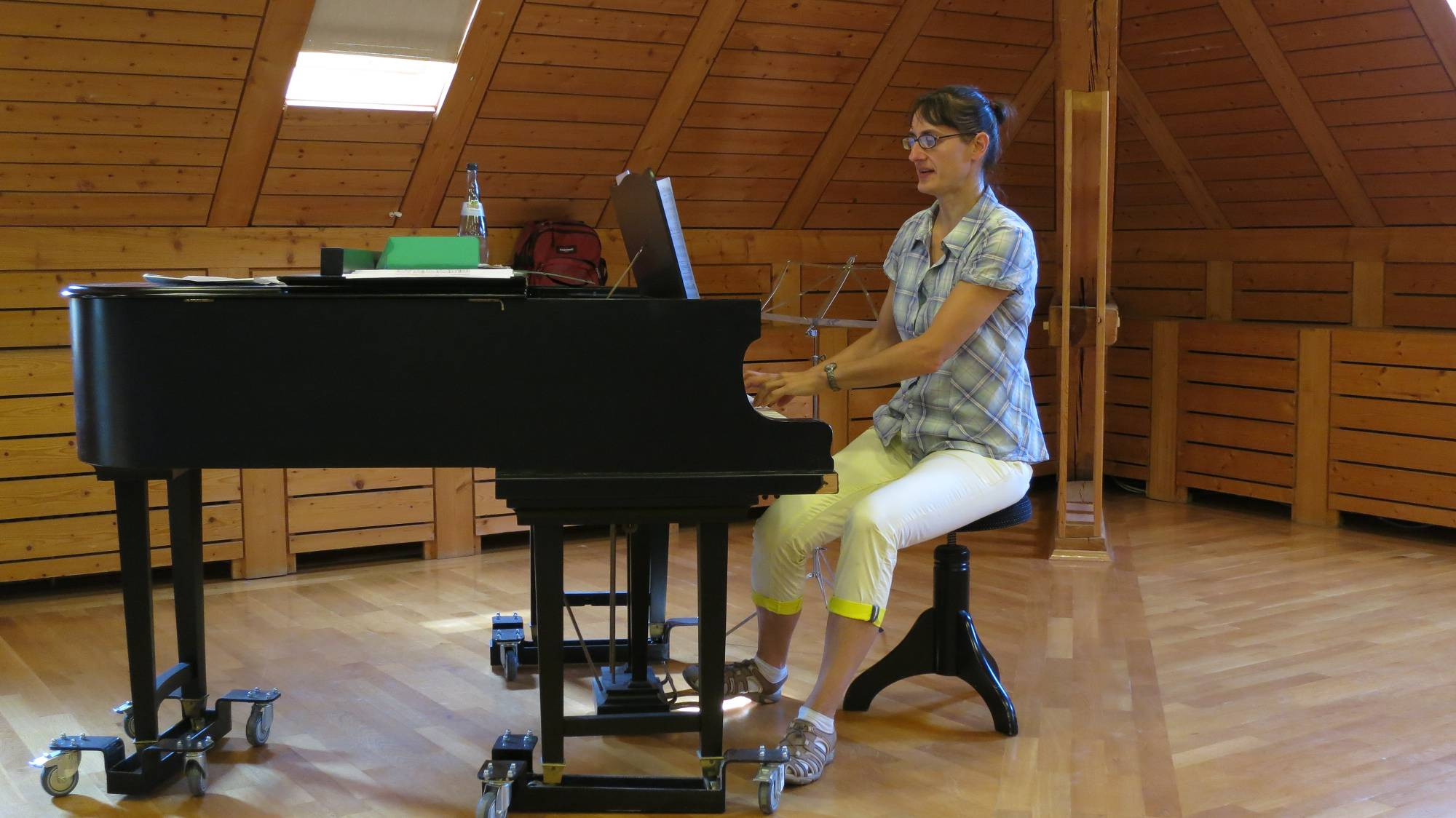 Chorleiterin Heidi  Brettschneider