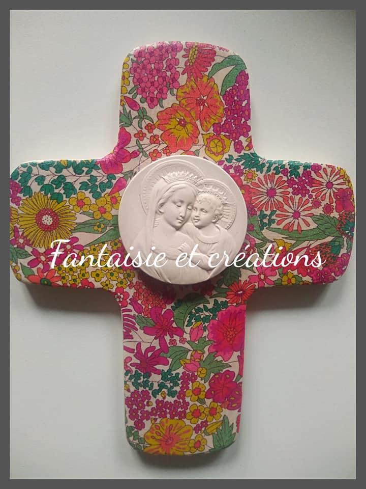 """Croix """"A Jésus par Marie"""" 25euros HFP avec personnalisation prénom/ date au dos"""