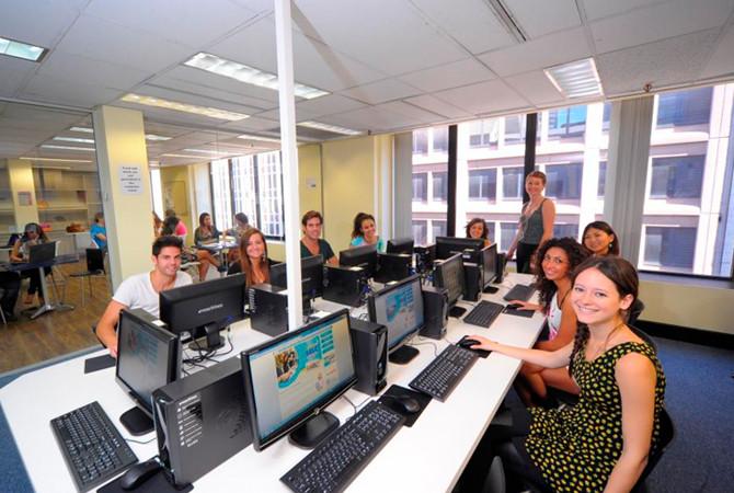 Sydney English Language Centre セルク(シドニー・シティ校) コンピュータールーム