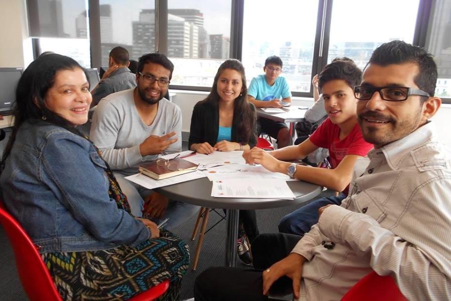 SACE メルボルン 復習している留学生たち