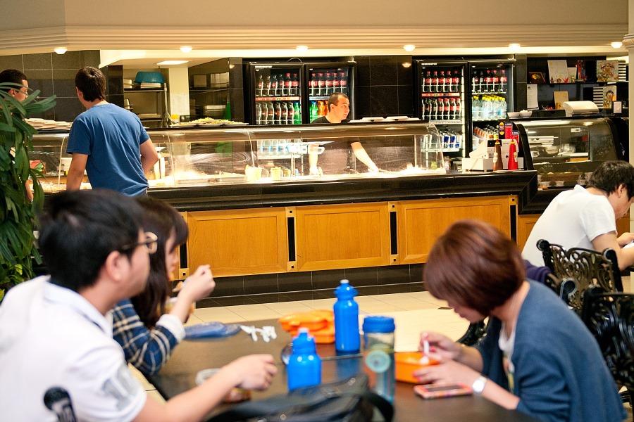 シャフストン・インターナショナル・カレッジ(ブリスベン校) 学生食堂も完備