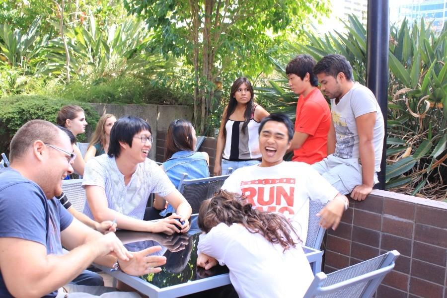 レクシス・イングリッシュ(ブリスベン校) 中庭は留学生の憩いの場所