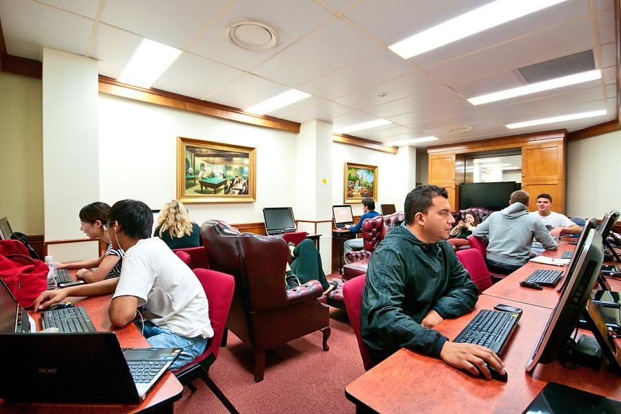 シャフストン・インターナショナル・カレッジ(ゴールドコースト校) コンピュータールーム