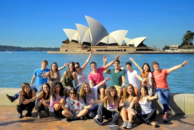 Sydney English Language Centre セルク(シドニー・シティ校) オペラハウスで記念撮影