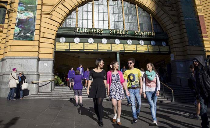 ディスカバー・イングリッシュ 放課後の留学生たち フリンダース・ストリート