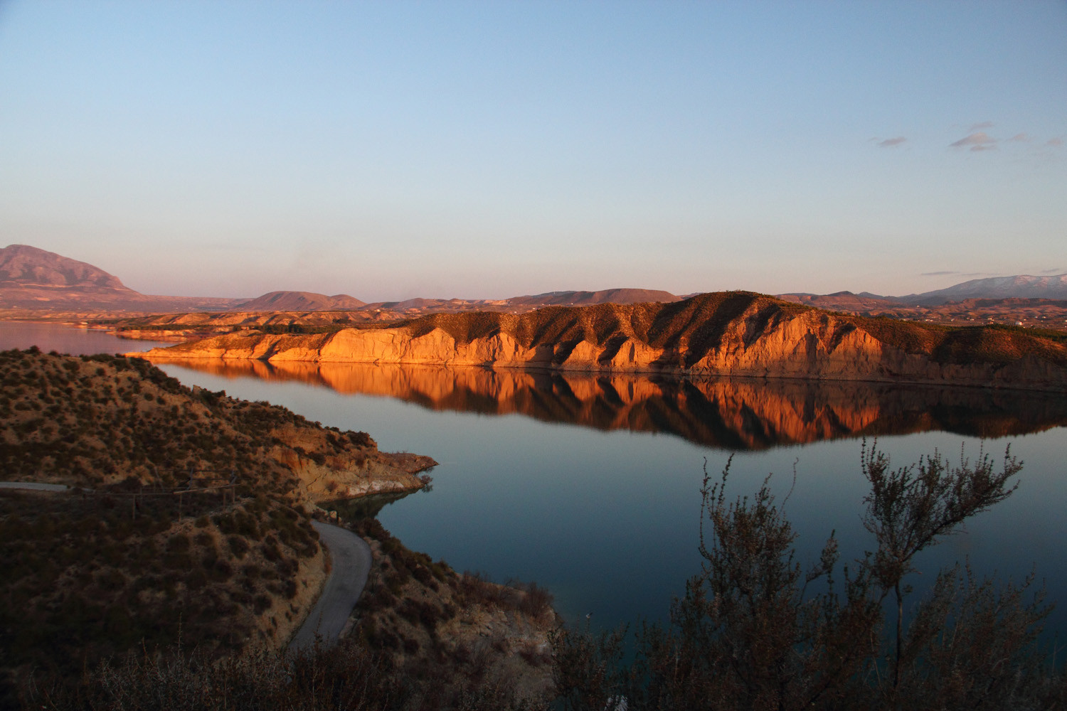 """Colored Rocks""- Embalse de Negratin, Granada - L02048"