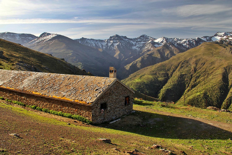 """View on the Cowshet"" - PN Sierra Nevada, Granada - LS04254"