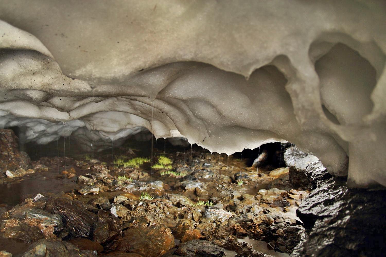 """The Ice Cave""- PN Sierra Nevada - US09871"