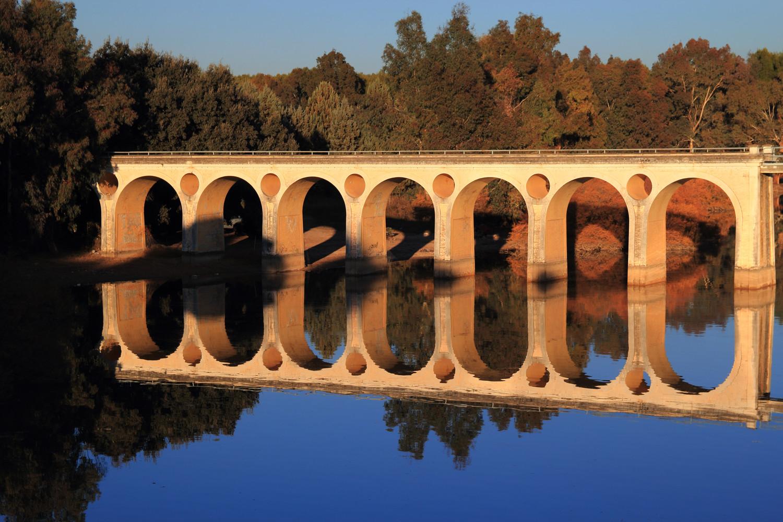 """""""Double Bridge"""" - Pantano de Cubillas, Granada - B04442"""