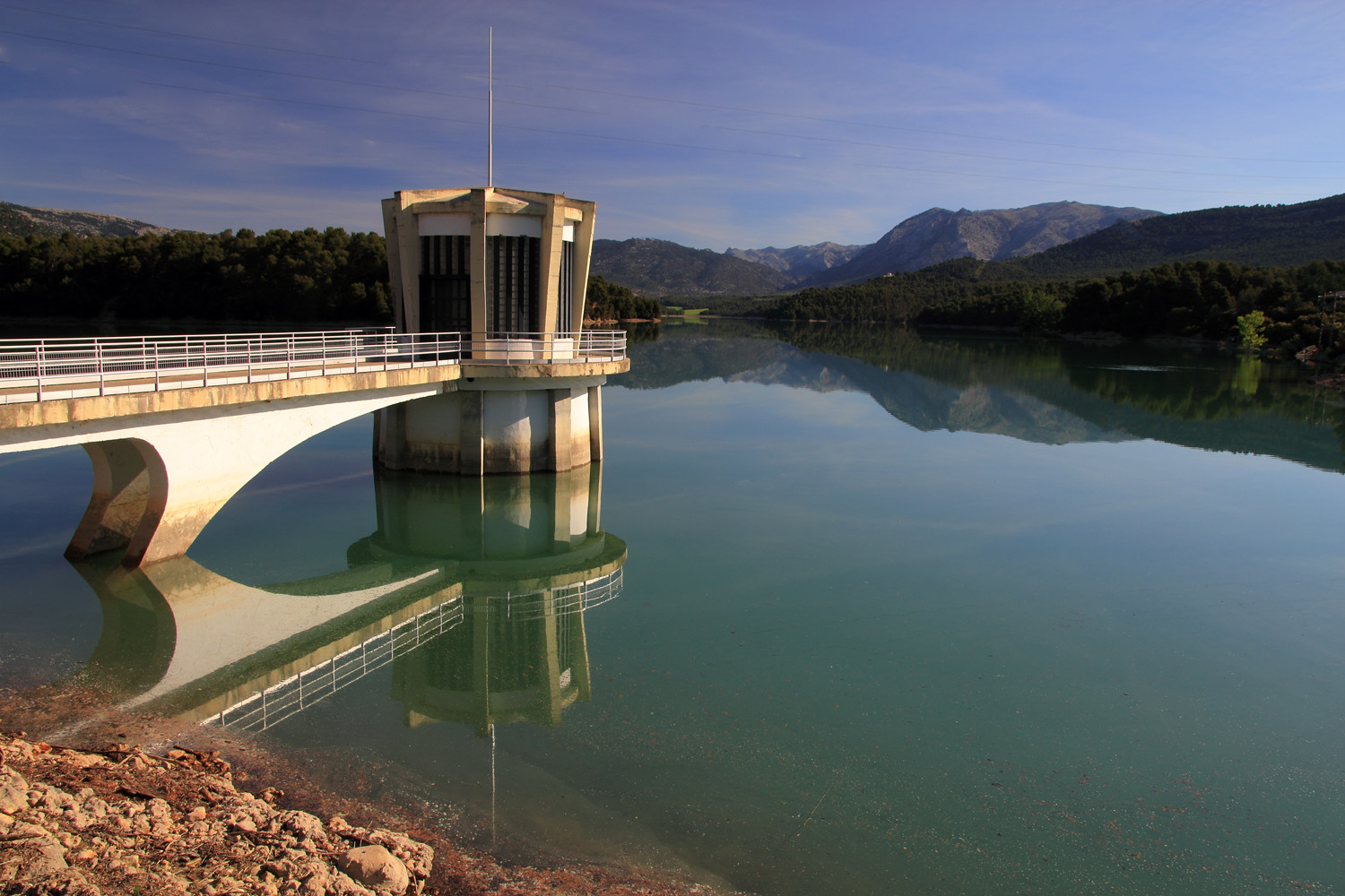 """The Pesa"" - Embalse de Bolera, Jaen - L08873"