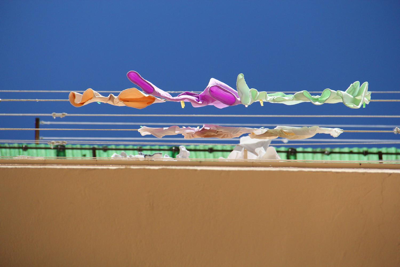 """The Laundry Line"" - Granada City - VH07834"