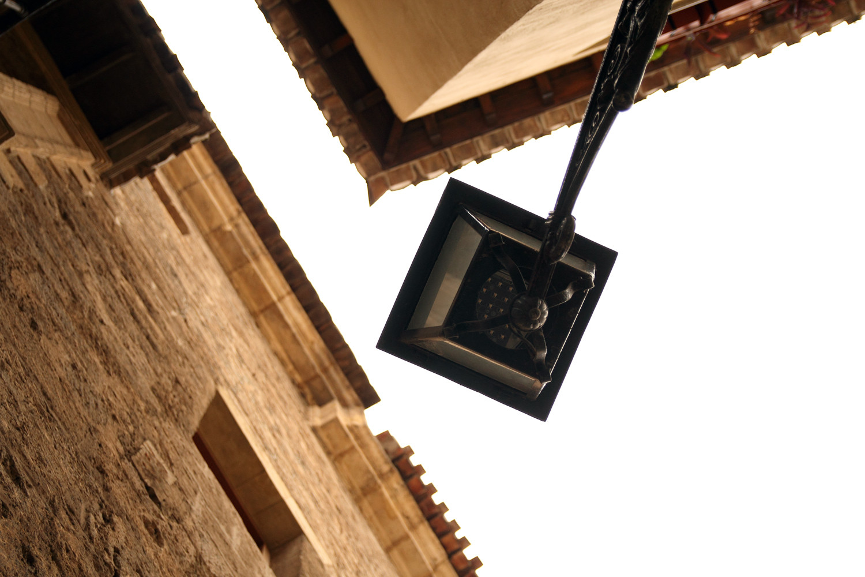 """""""Corners"""" - Granada City - VH06099"""