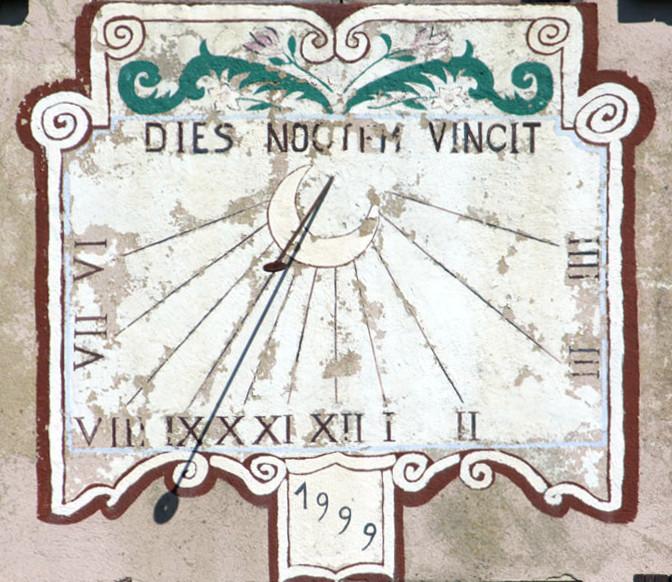 """Brénod. Devise : """"Dies noctem vincit"""" """"Le jour vainc la nuit"""""""