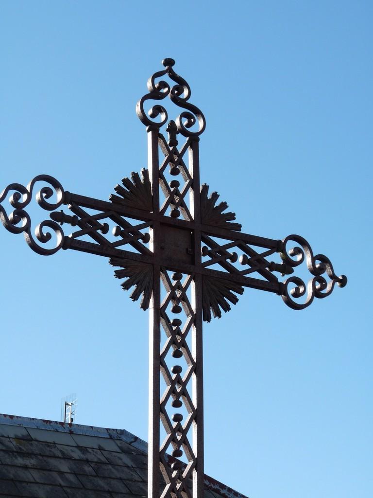 Croix de Thézilieu (au départ de la route de Catagnoles)