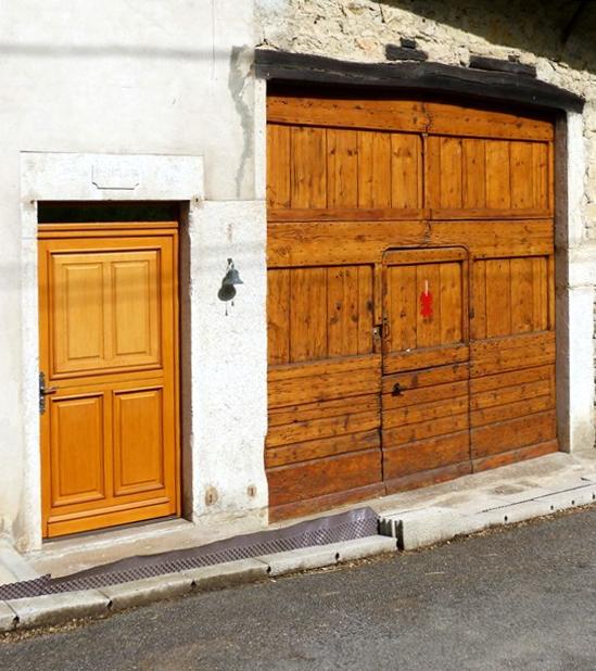 Porte rénovée de Résinand