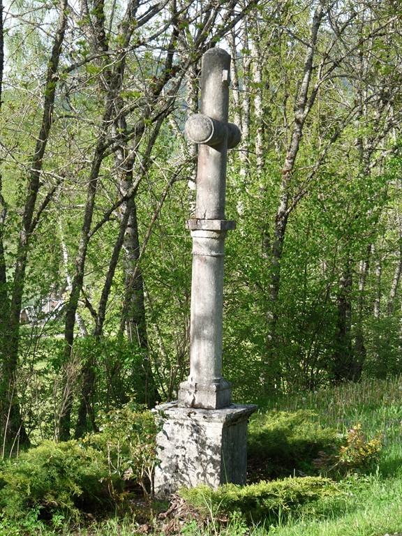 Croix à Thézillieu
