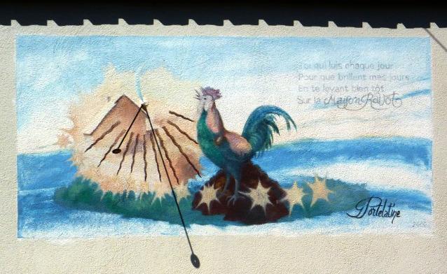 Champdor : maison Ravot 40 route de la Combe Noire. Cadran peu déclinant du matin, gravé et peint sur enduit lignes chiffrées en bout, style polaire, disque à œilleton