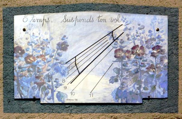 Champdor : 5 rue du Four. cadran quasi oriental, gravé et peint sur enduit lignes chiffrées en bout, style en trapèze, peint par Gisèle Portelatine