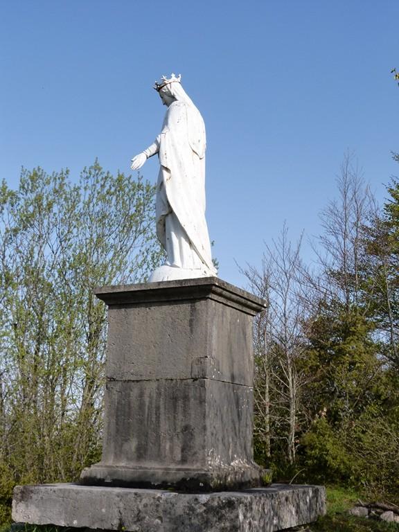 Vierge de Corlier (à côté des restes du Château)