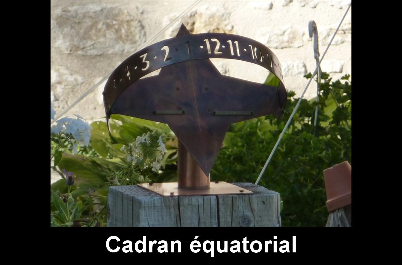 """Corcelles : Ferrière. cadran équatorial, métallique Devise : """"Seul Dieu connaît ton heure"""""""
