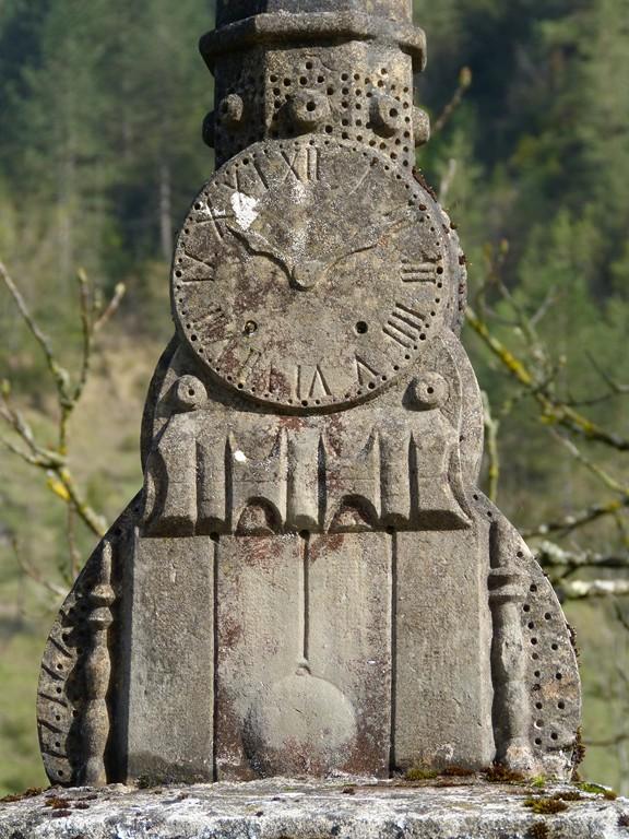 Pied dela Croix des Pézières (Aranc)