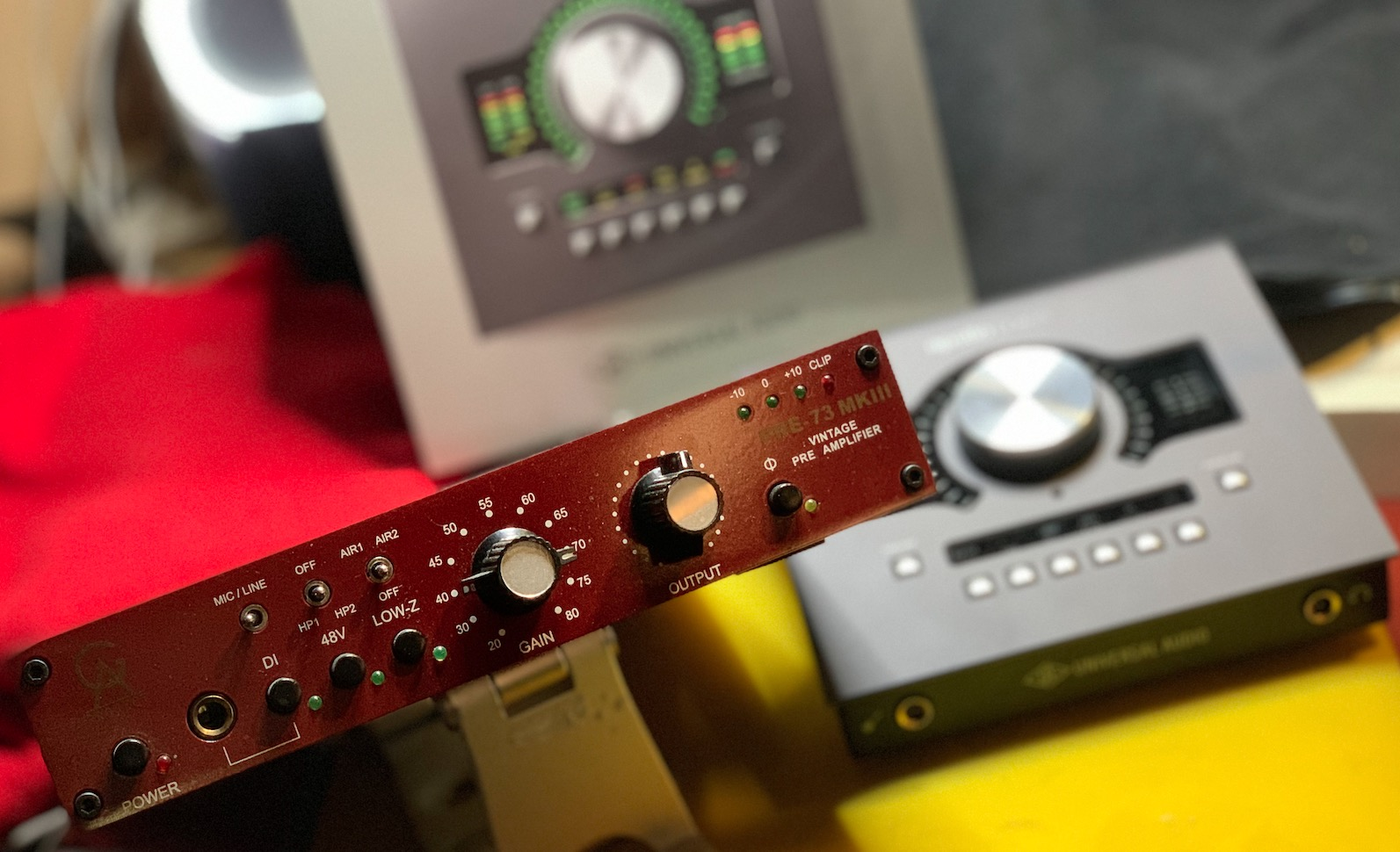 UAD Apollo - Golden Age Pre73 fisico VS Neve 1073 virtuale