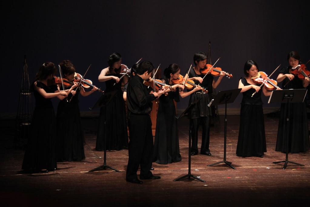 弦楽器の皆さま・・・まずはバロックヴァイオリンの皆さまから・・・
