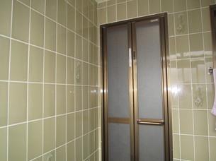 浴室扉付け替え