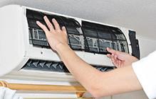 エアコンクリーニングは1年に1回 が目安です。