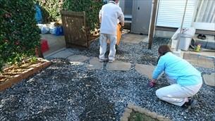防草シート・砂利敷き
