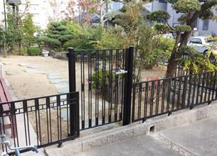 外溝フェンス設置工事①