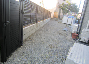 外溝フェンス設置工事③